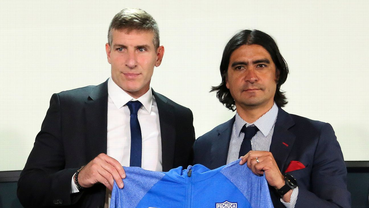 Martin Palermo, who comes from Chilean side Union Española, is a major gamble by Pachuca.
