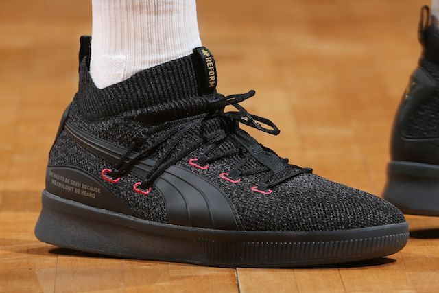 ff0133504c21b Which player had the best sneakers of Week 15 in the NBA?
