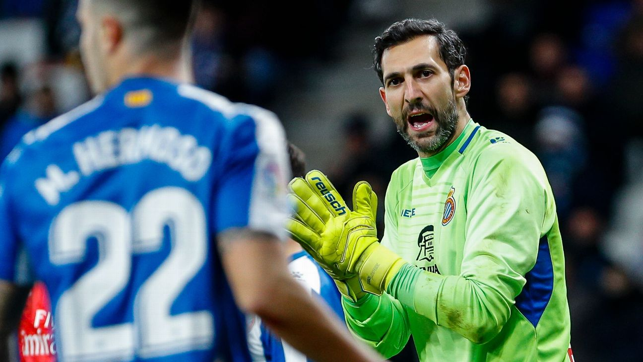 Diego Lopez looks on during Espanyol's La Liga defeat to Real Madrid.
