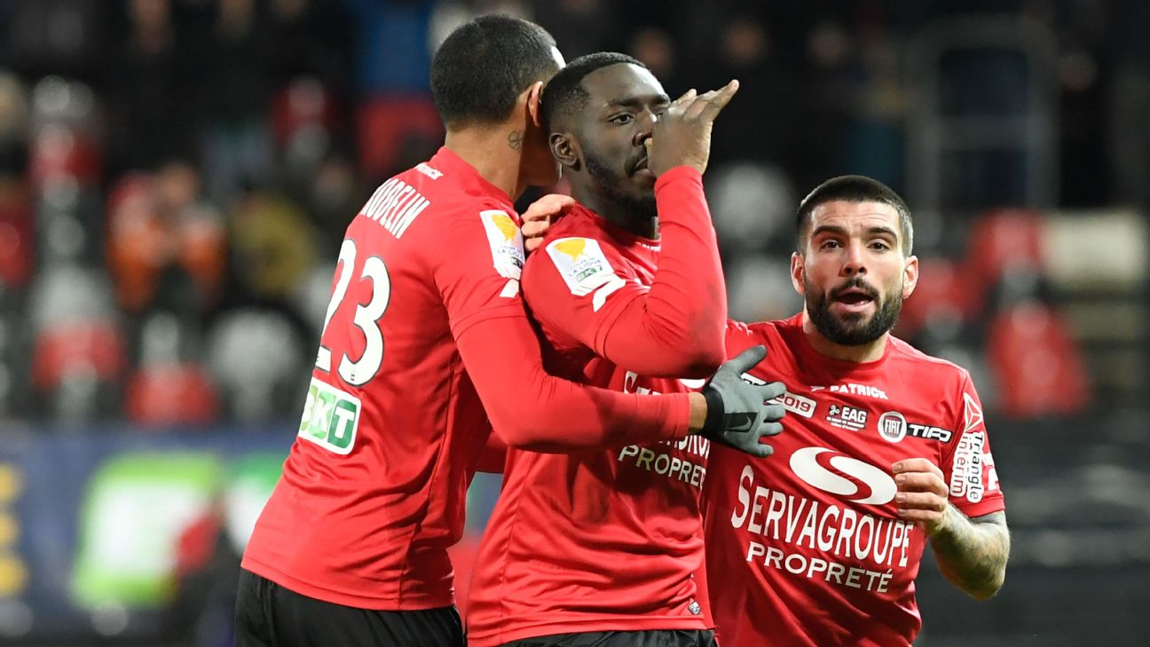 Guingamp beat 10-man Monaco as Jardim returns in Coupe de la Ligue