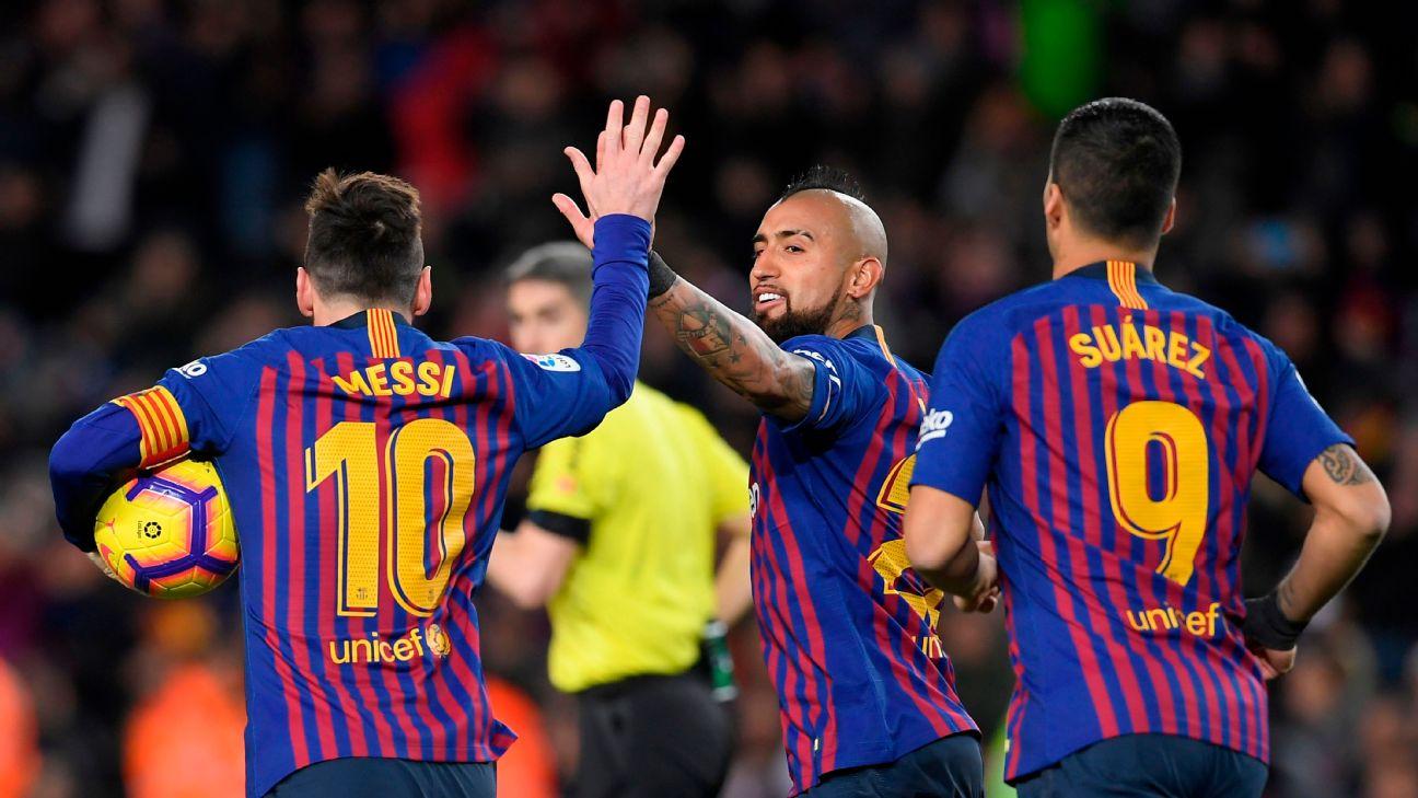 Messi brace inspires Barcelona comeback in draw with Valencia