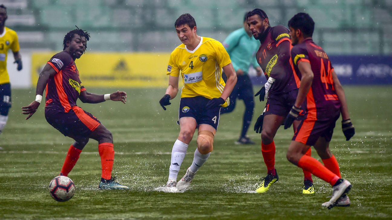 Real Kashmir and Gokulam Kerala played in freezing conditions under sleet and snow in Srinagar on Wednesday.