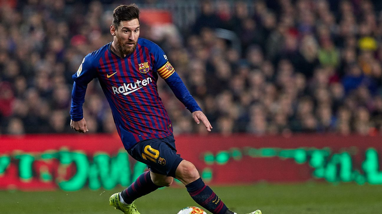 Lionel Messi in action for Barcelona during the Copa del Rey semifinal clash with Real Madrid