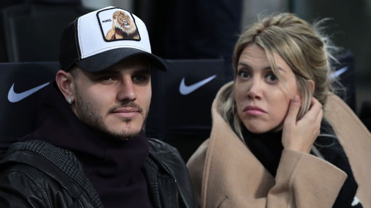 Mauro Icardi and wife Wanda Nara watch Inter Milan's 2-1 victory over Sampdoria from the stands