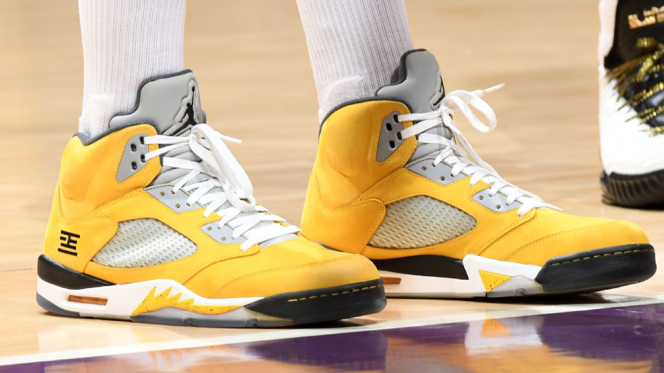 b28cb751b2e440 Which player had the best sneakers of Week 19 in the NBA