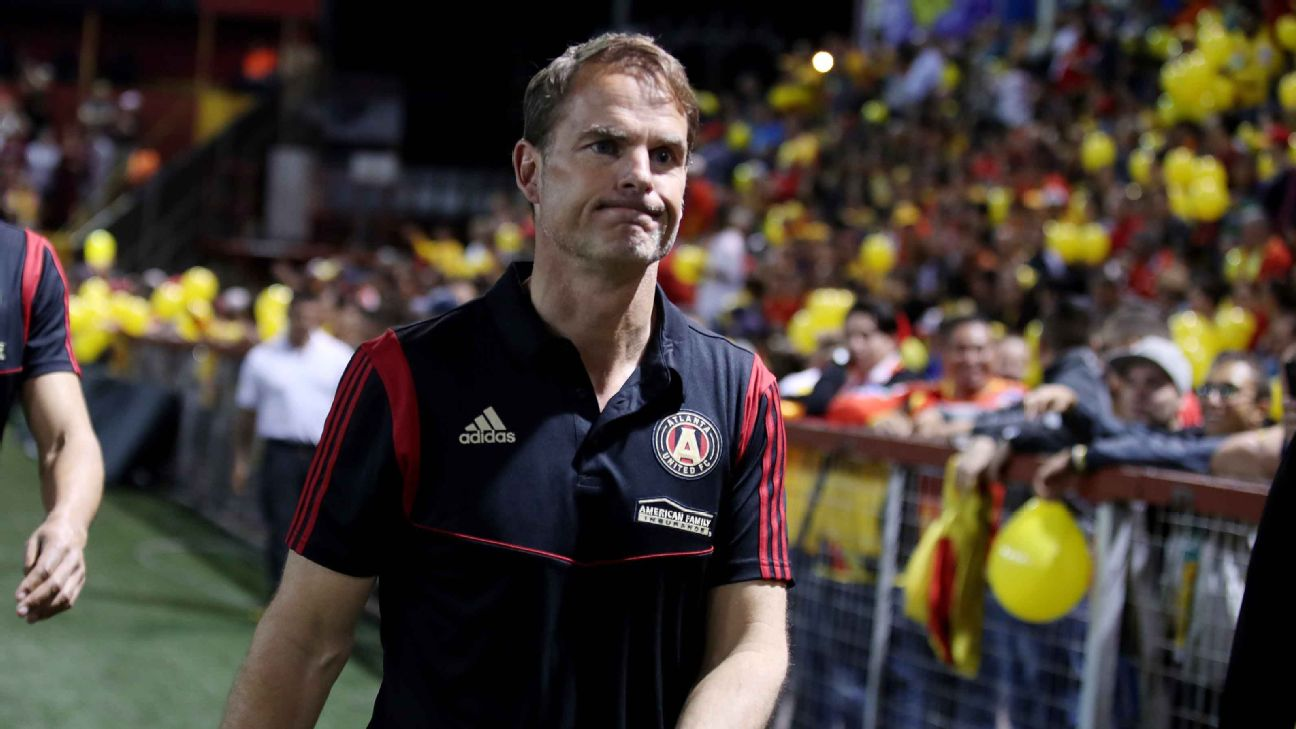 Frank de Boer looks on during Atlanta United's CONCACAF Champions League match at Herediano.