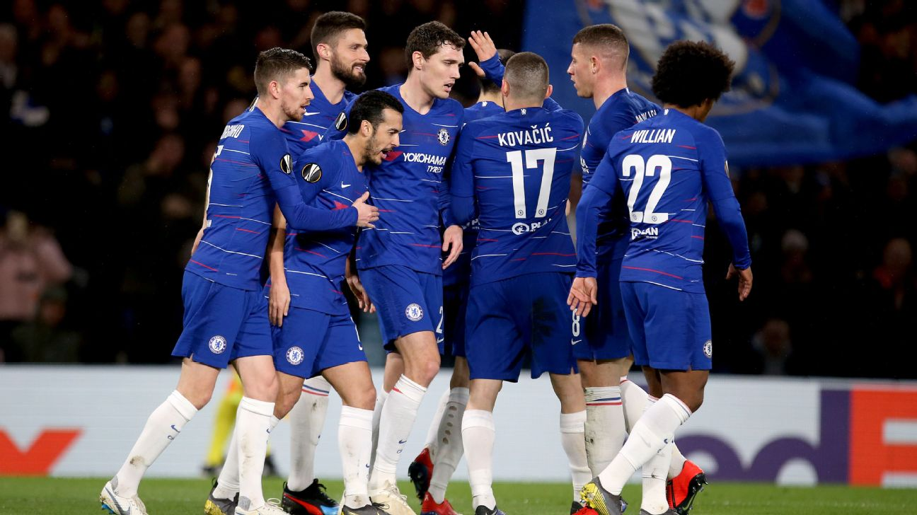 Chelsea players celebrate during their Europa League match against Dynamo Kiev.