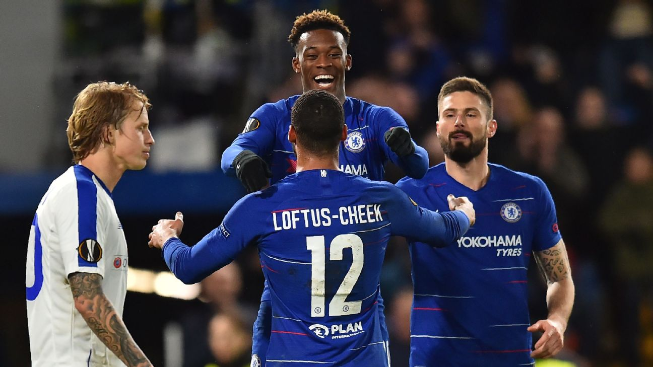 Ruben Loftus-Cheek celebrates with teammate Callum Hudson-Odoi against Dynamo Kiev
