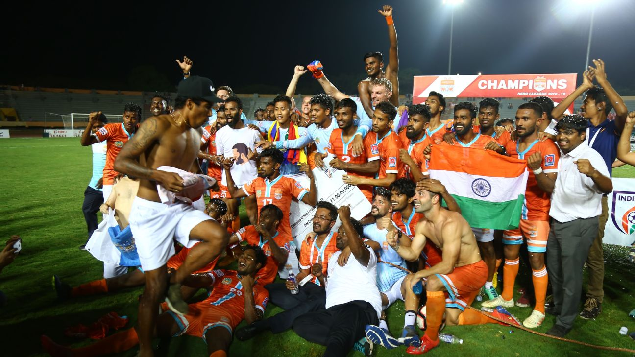 Chennai City celebrate winning the 2018/19 I-League.