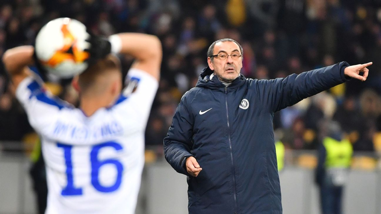 Maurizio Sarri shouts instructions to his players during Chelsea's Europa League win against Dynamo Kiev.