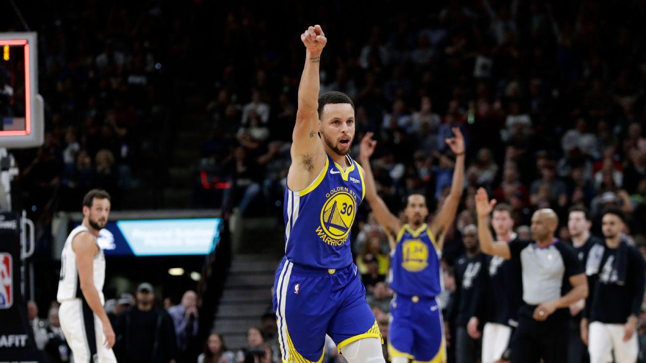 60e8a3e40595 Curry s 61-foot 3-pointer longest FG this season