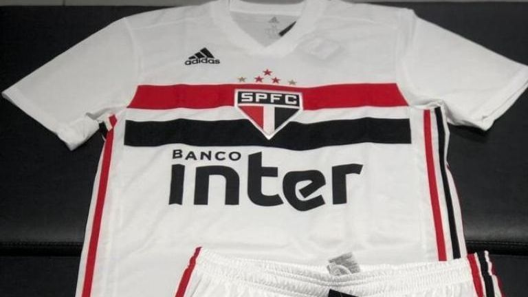 9441952af592a São Paulo: Nova camisa 1 vaza na web, e torcida aprova