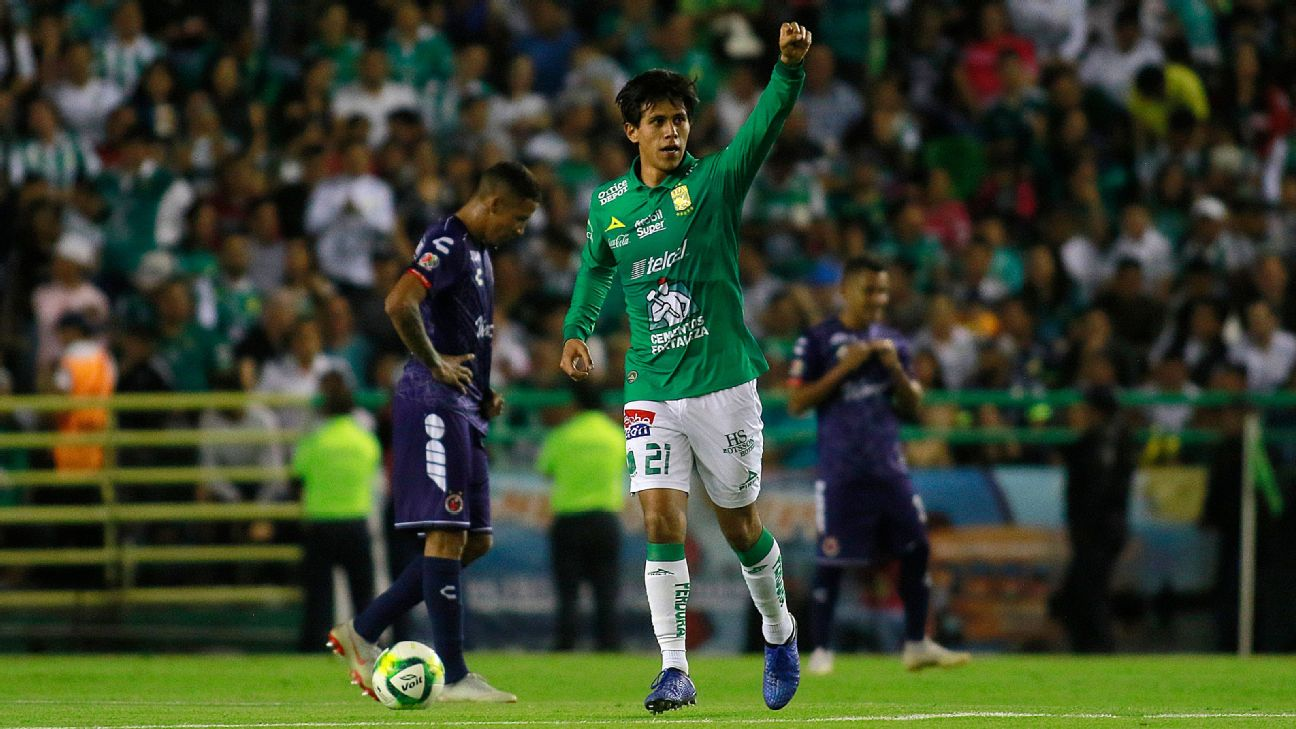 Jose Macias celebrates during Leon's Liga MX win over Veracruz.