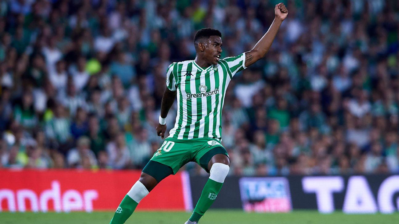 Junior Firpo, Real Betis