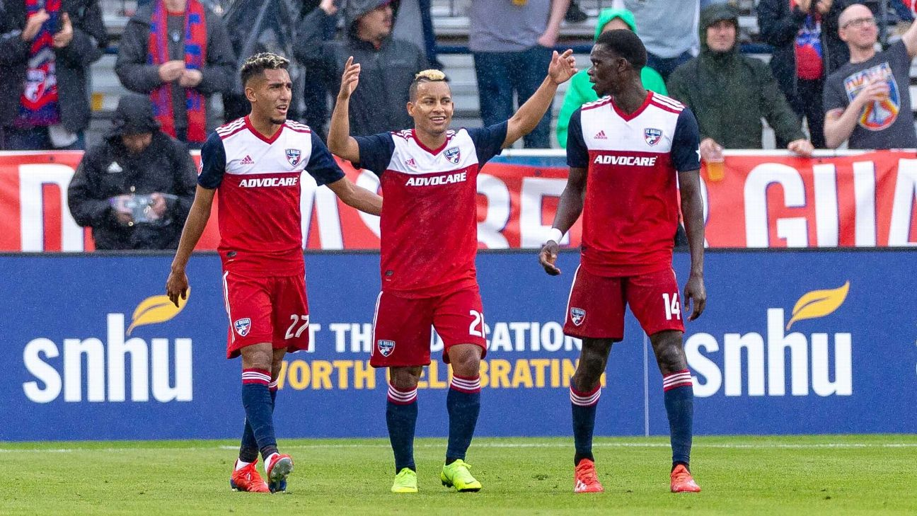 Michael Barrios celebrates during FC Dallas' MLS win over the Colorado Rapids.