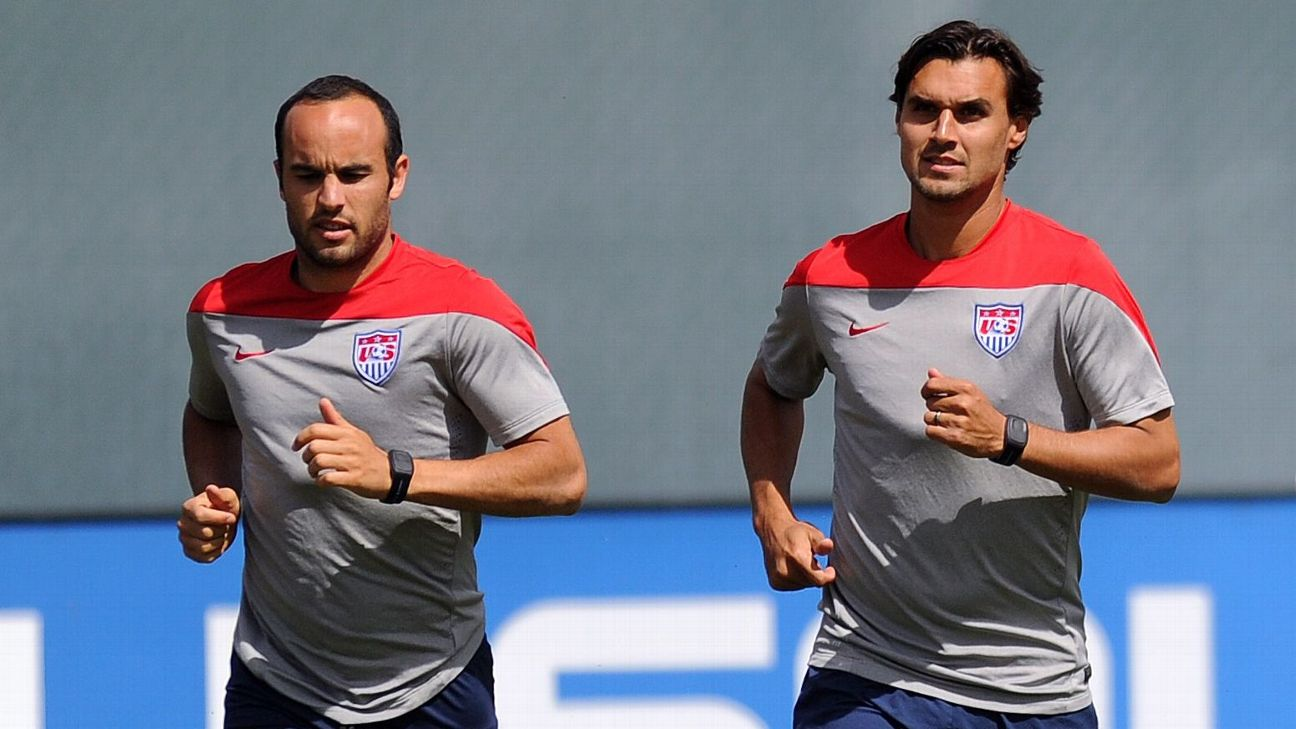 Landon Donovan and Chris Wondolowski train with the U.S. ahead of the 2014 World Cup.