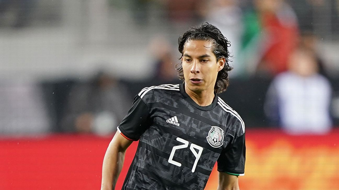 Due to his talent it is often easy to forget that Diego Lainez is just 18 but against Paraguay, Lainez showed his inexperience.