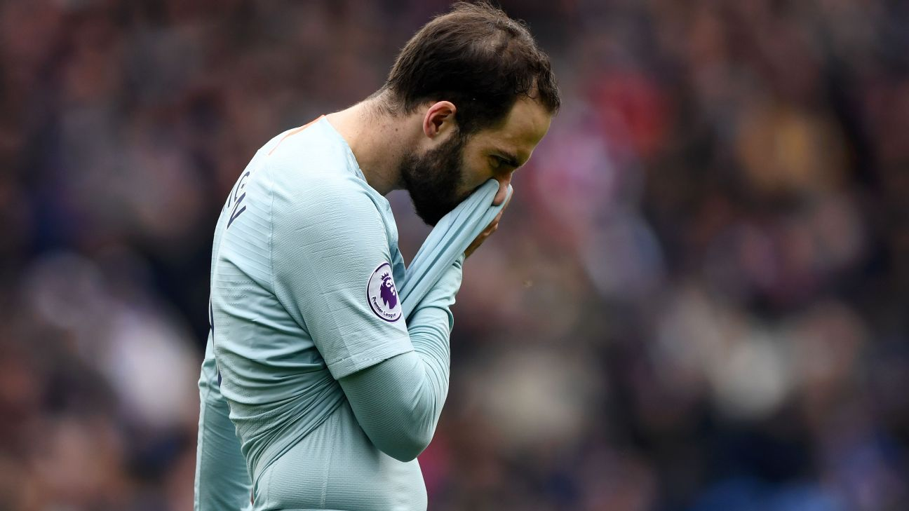Gonzalo Higuain 3/10 Marcos Alonso 2/10 but Chelsea rally for controversial late win at Cardiff 5