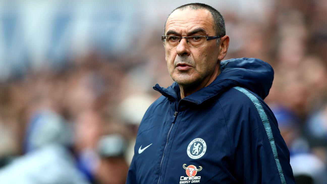 Fan hostility won't make me walk away from Chelsea, insists Sarri 5