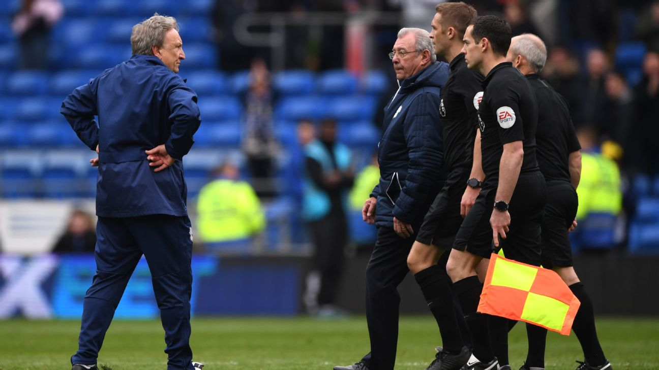 Neil Warnock stares at officials vs. Chelsea
