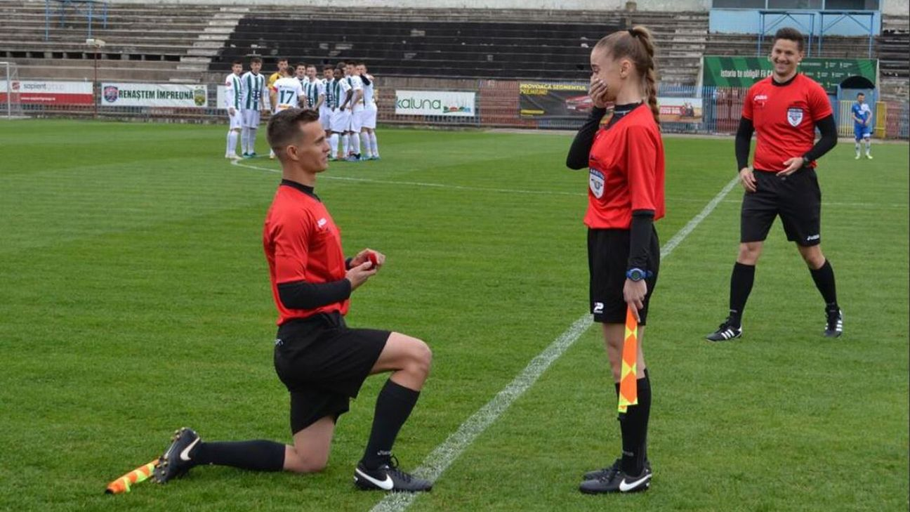 9b148d37014b Linesman proposes to fellow ref s assistant on pitch