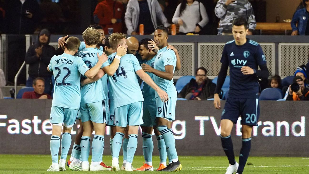 Earthquakes pummel Sporting Kansas City as Danny Hoesen scores brace