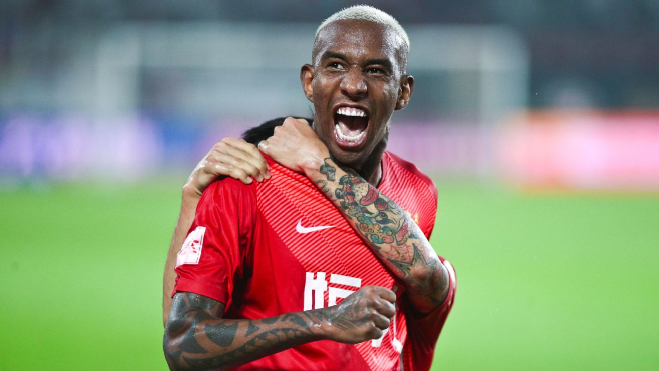 Anderson Talisca celebrates after scoring Guangzhou Evergrande's sixth