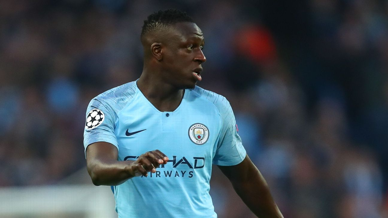 Manchester City S Benjamin Mendy Self Isolating After