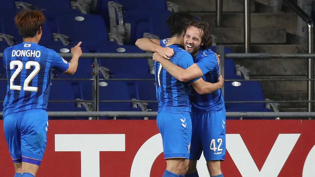 Mix Diskerud, right, celebrates after scoring a goal for Ulsan Hyundai in the Asian Champions League.