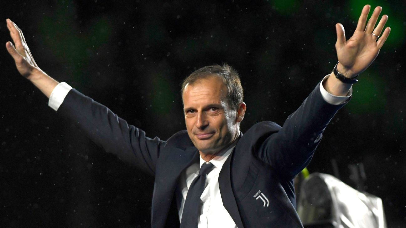 Outgoing Juventus manager Max Allegri waves to the crowd after his final match at the Allianz Stadium.