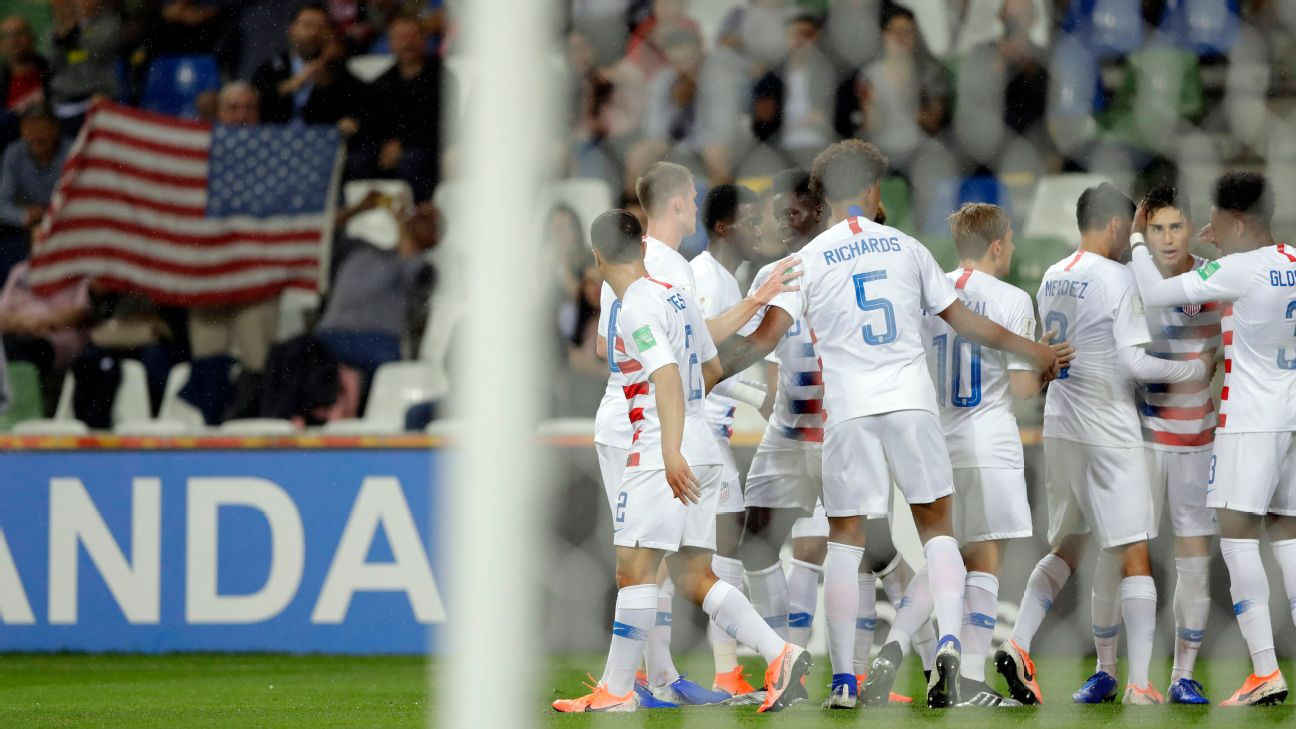 U.S. players celebrate after scoring a goal against Nigeria at the U20 World Cup.