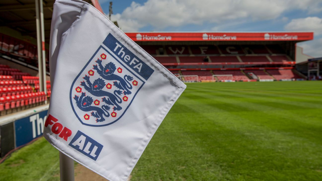 A corner flag bearing the FA logo.
