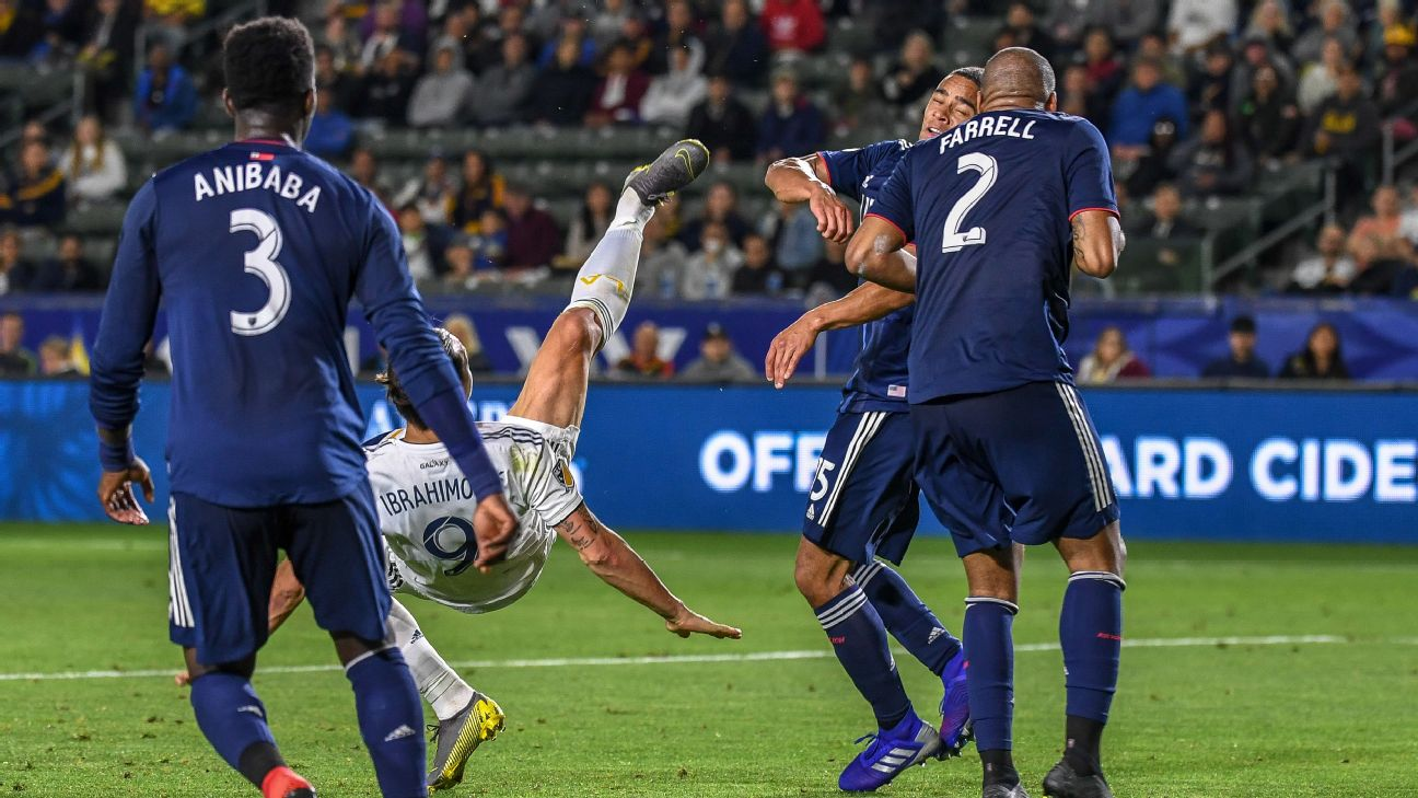 Zlatan Ibrahimovic of Los Angeles Galaxy scores a bicycle kick