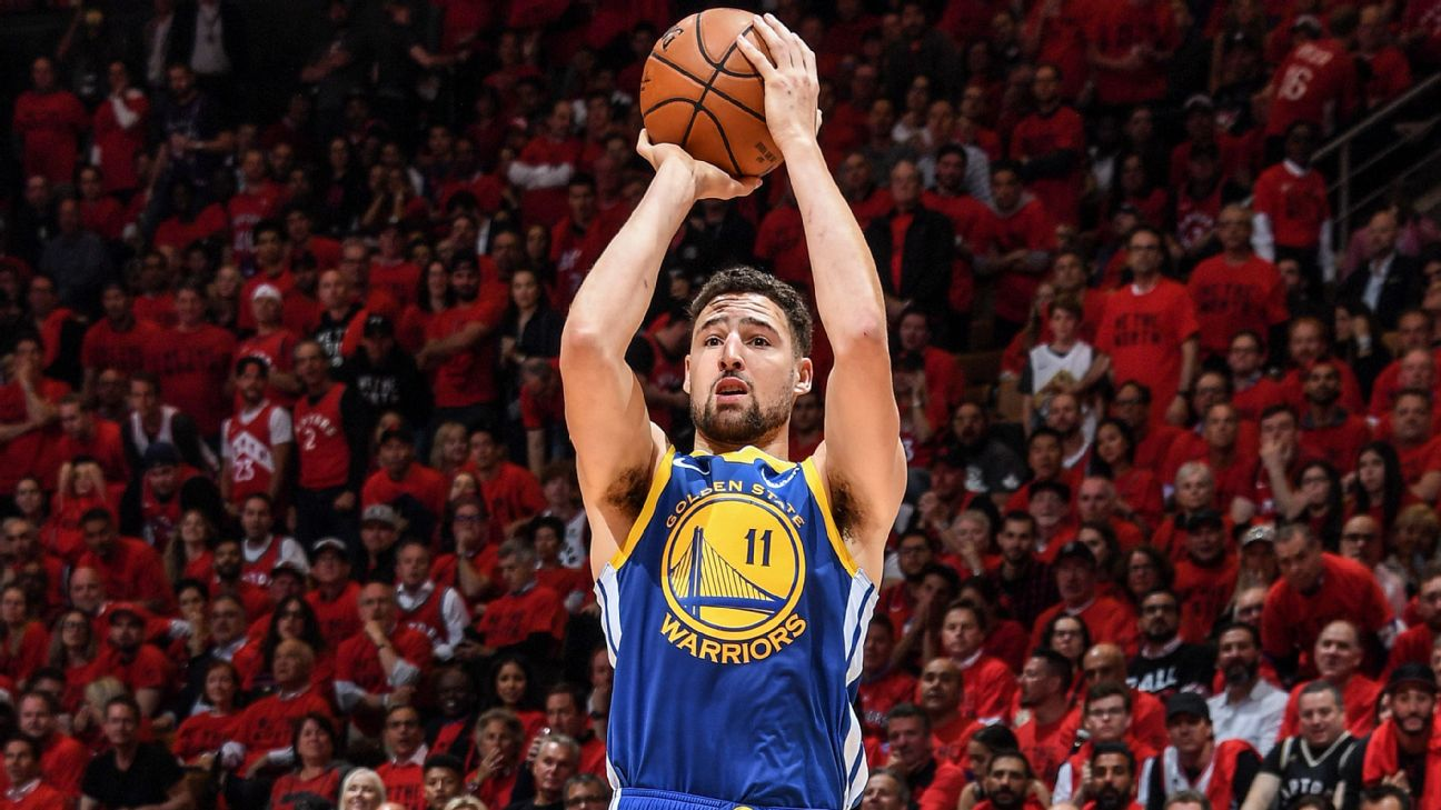 Klay Thompson 10-for-10 from 3-point range before miss to ... |Klay Thompson