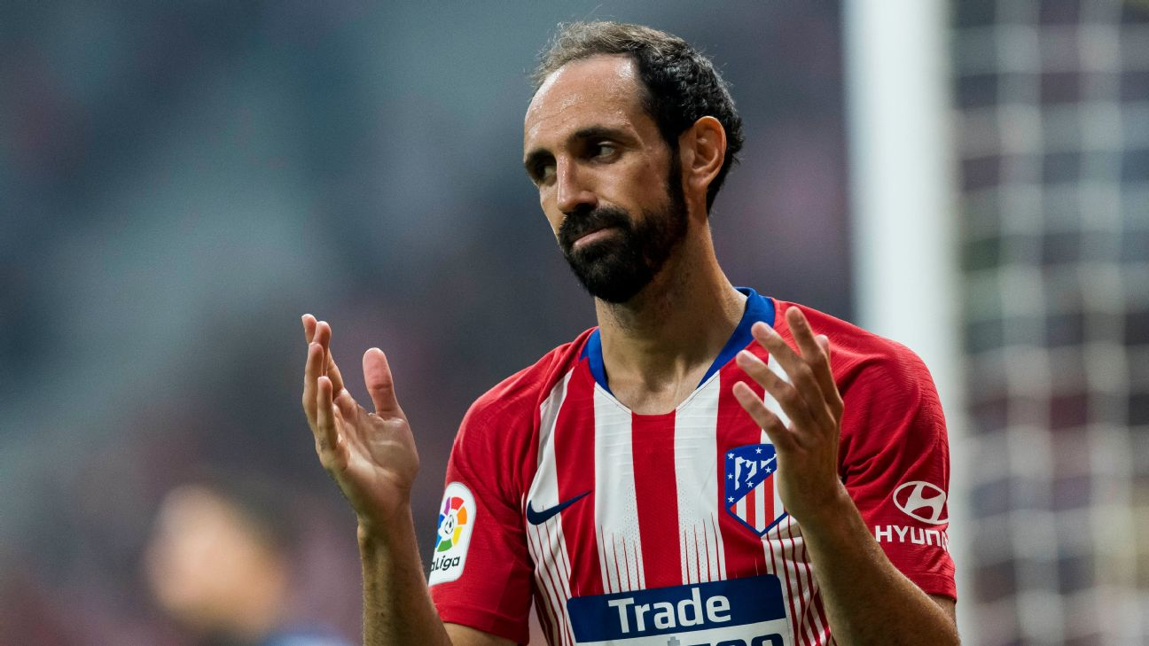 Juanfran reacts during Atletico Madrid's International Champions Cup match against Inter.
