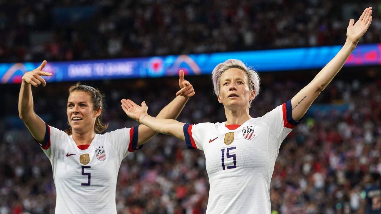 Megan Rapinoe (15) became the first player to score two or more goals in back-to-back Women's World Cup appearances since Marta in 2007.