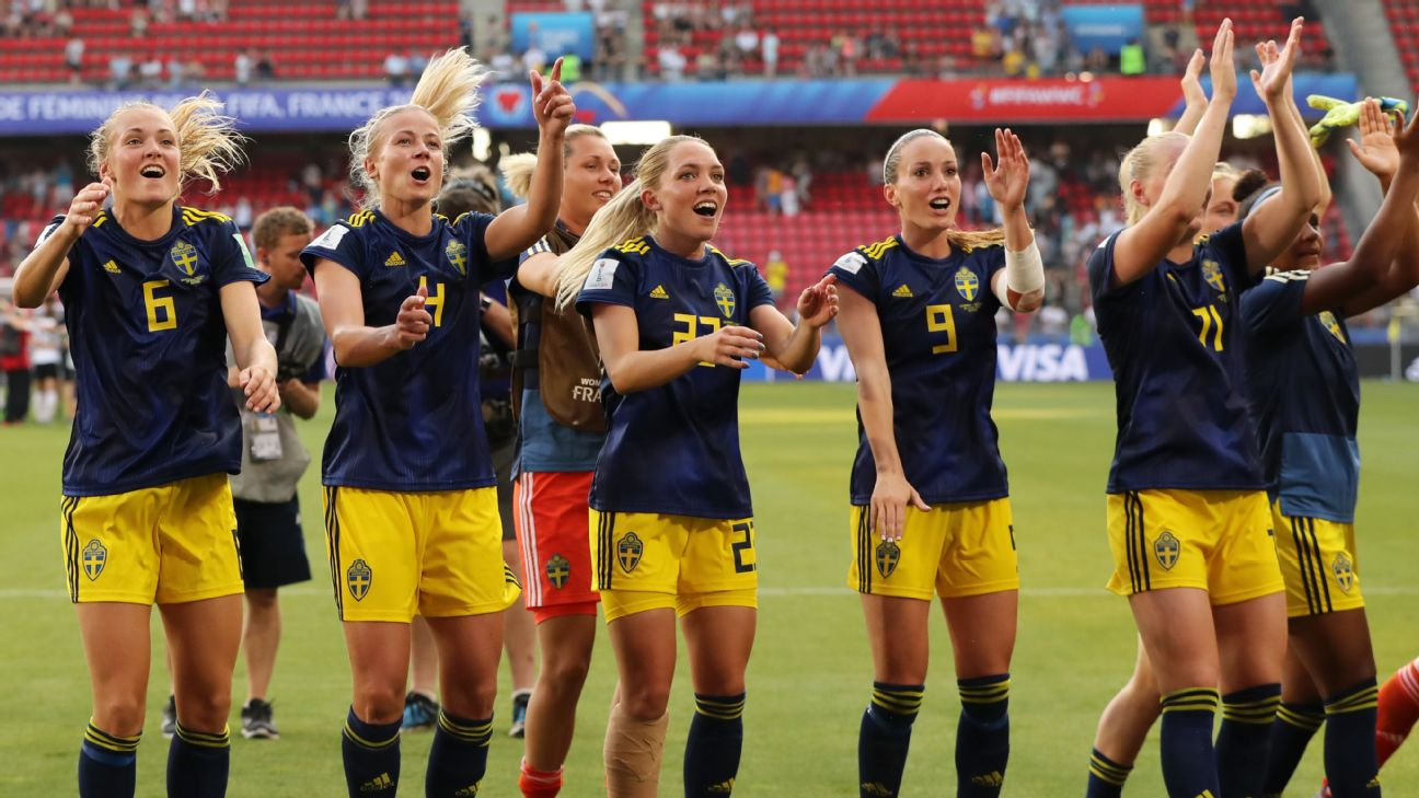 Sweden reached the Women's World Cup semifinals for the fourth time ever with a 2-1 victory over Germany on Saturday.