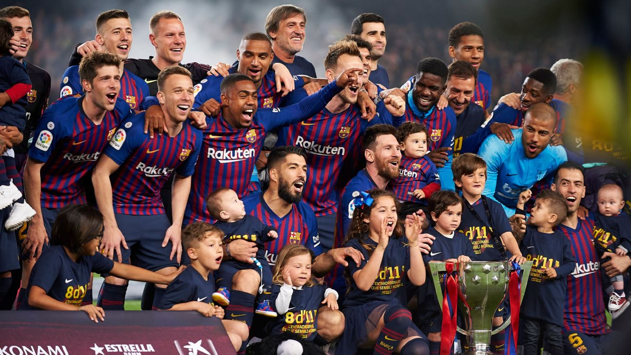 Barcelona celebrate their 26th league title