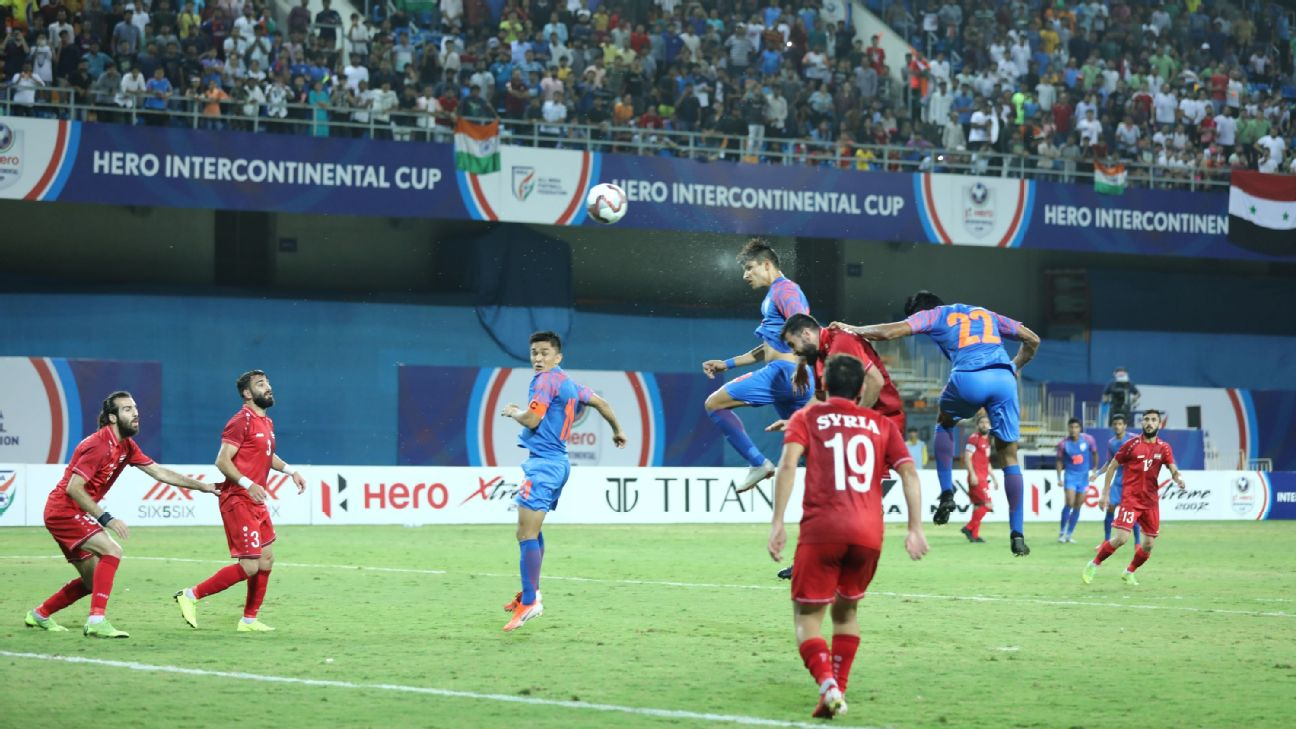 Narender Gahlot scores to put India in front against Syria.