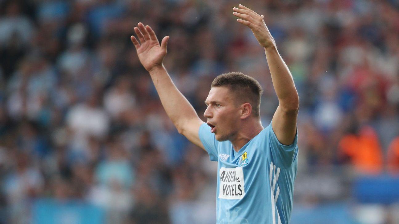 German club sacks captain for far-right sympathies 1