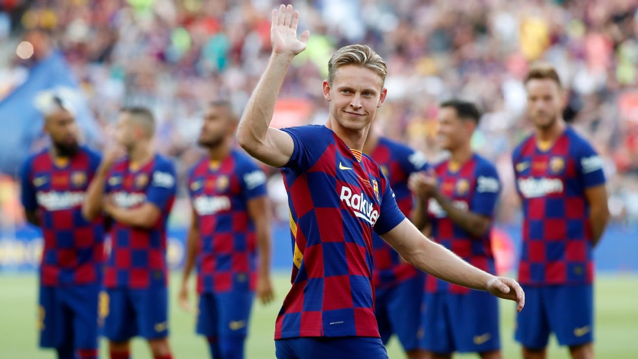 Barcelona's Frenkie de Jong waves to the crowd ahead of his team's match against Arsenal on Aug. 4.