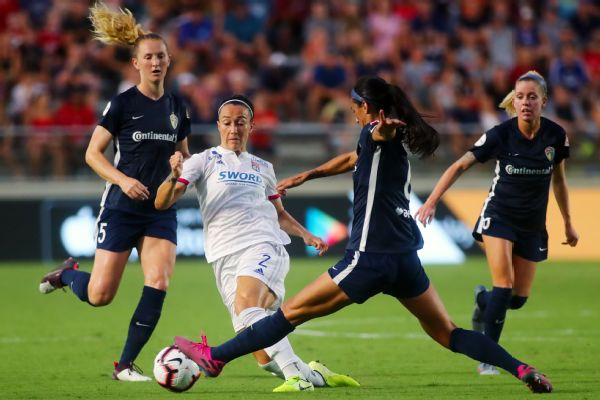 A great run by Lucy Bronze (2) set up the only goal of the match to give Lyon a 1-0 win over N.C. Courage.