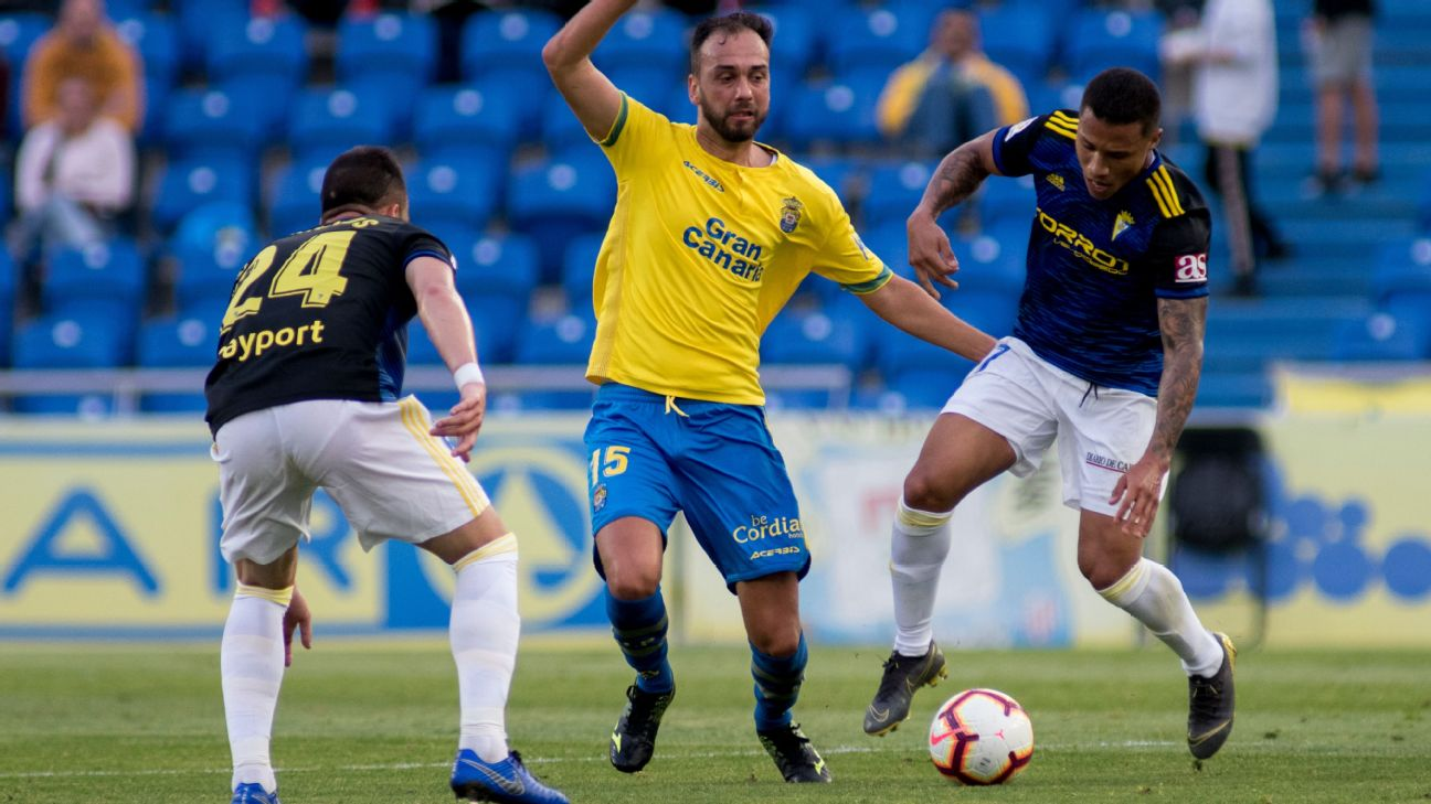 Defender Deivid Rodriguez has made 93 career appearances for Las Palmas during two spells at the club.