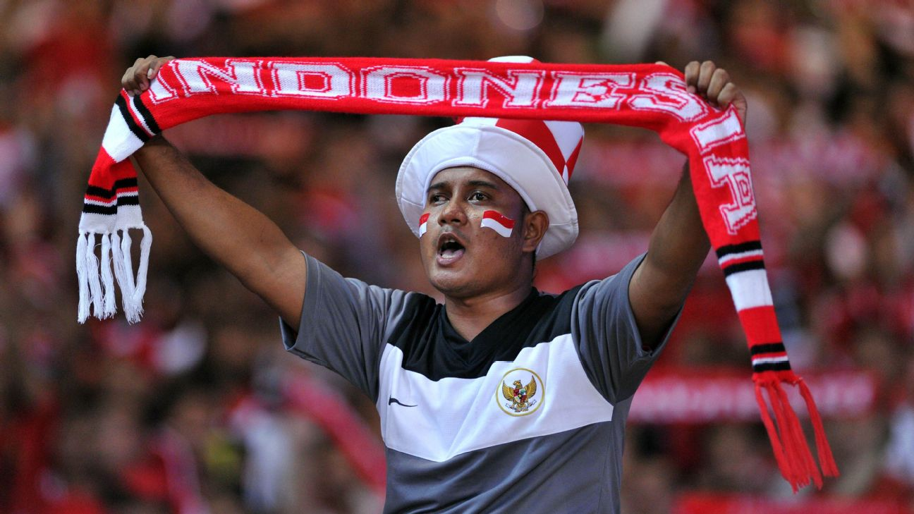 Indonesian supporter cheering