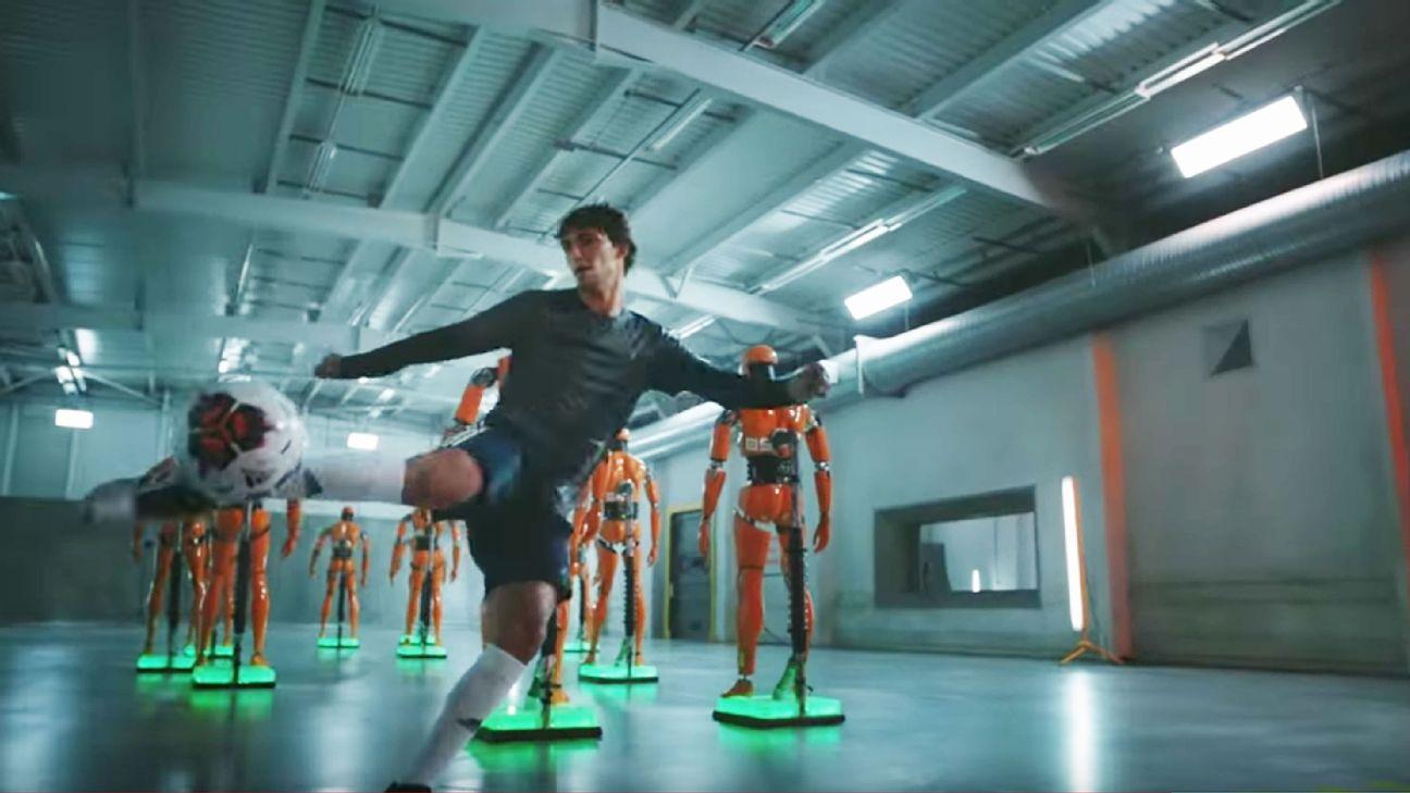 Toe Poke Daily: Felix, Kaka, Sterling star in FIFA 20 Player Ratings video 1