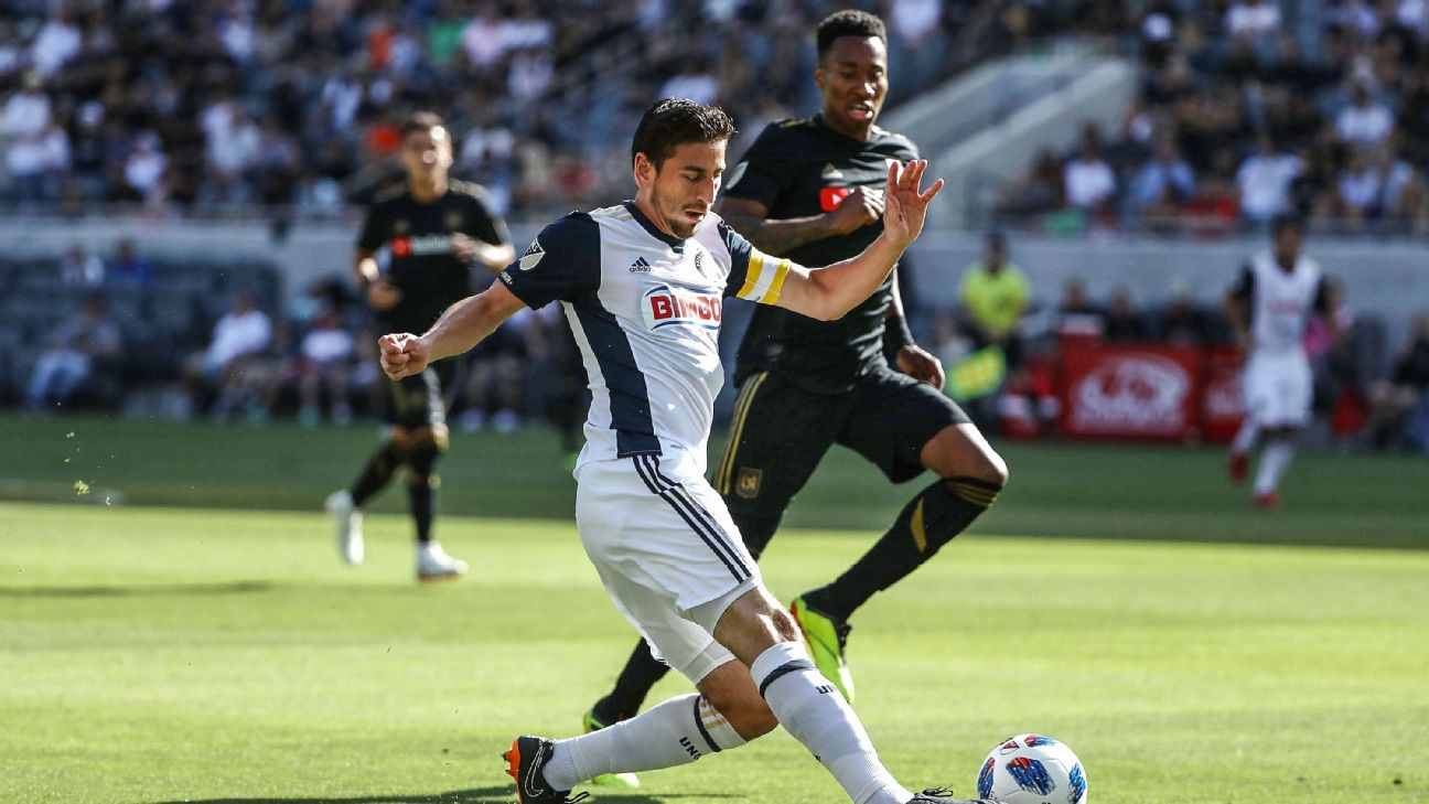 Alejandro Bedoya vies for the ball with Mark-Anthony Kaye during the Philadelphia Union's MLS match against LAFC.