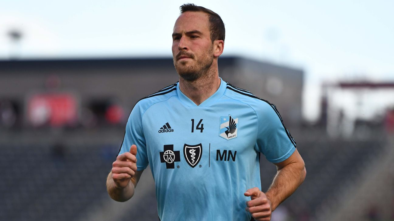 Brent Kallman warms up ahead of Minnesota United's MLS match against the Colorado Rapids.