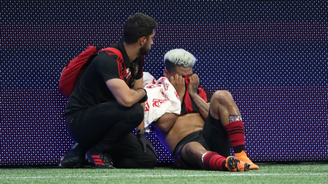 Atlanta United forward Josef Martinez reacts after injuring his right leg in a match against San Jose.