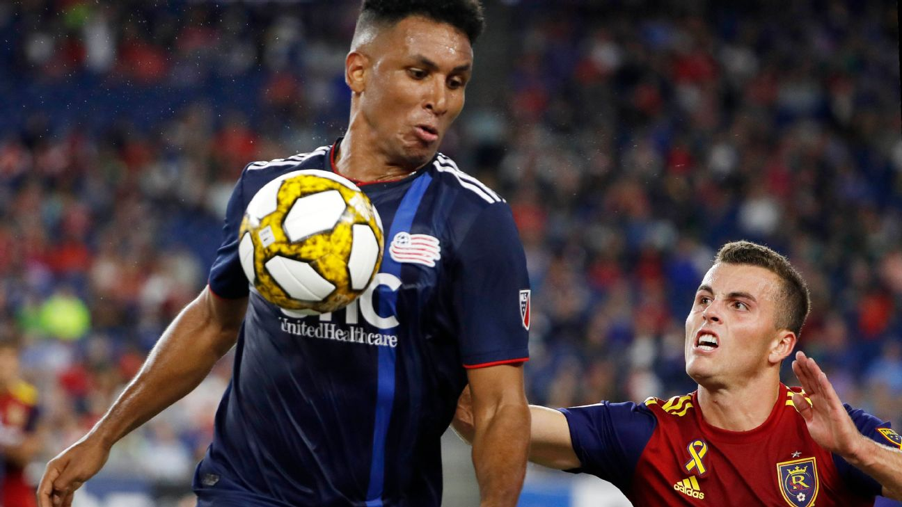 Juan Agudelo and Brooks Lennon