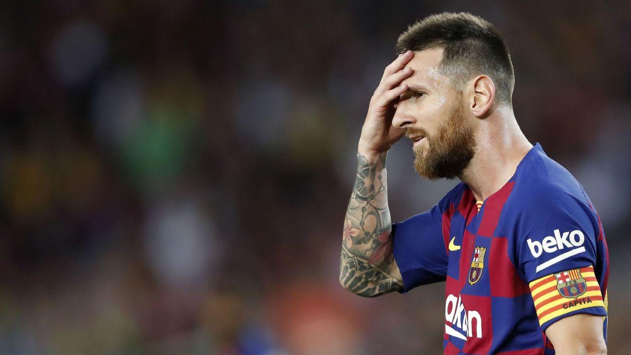 Lionel Messi looks on during Barcelona's La Liga match against Villarreal.